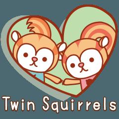 ふたごの子リス「Twin Squirrels」