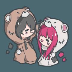 くまパーカーの女の子と男の子スタンプ!1
